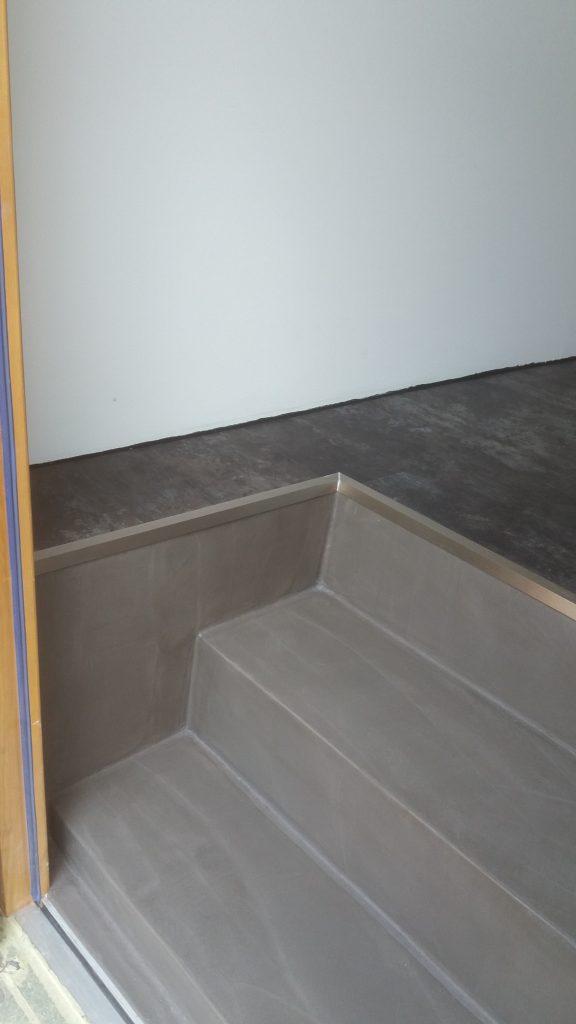 béton ciré sol mur escalier meuble
