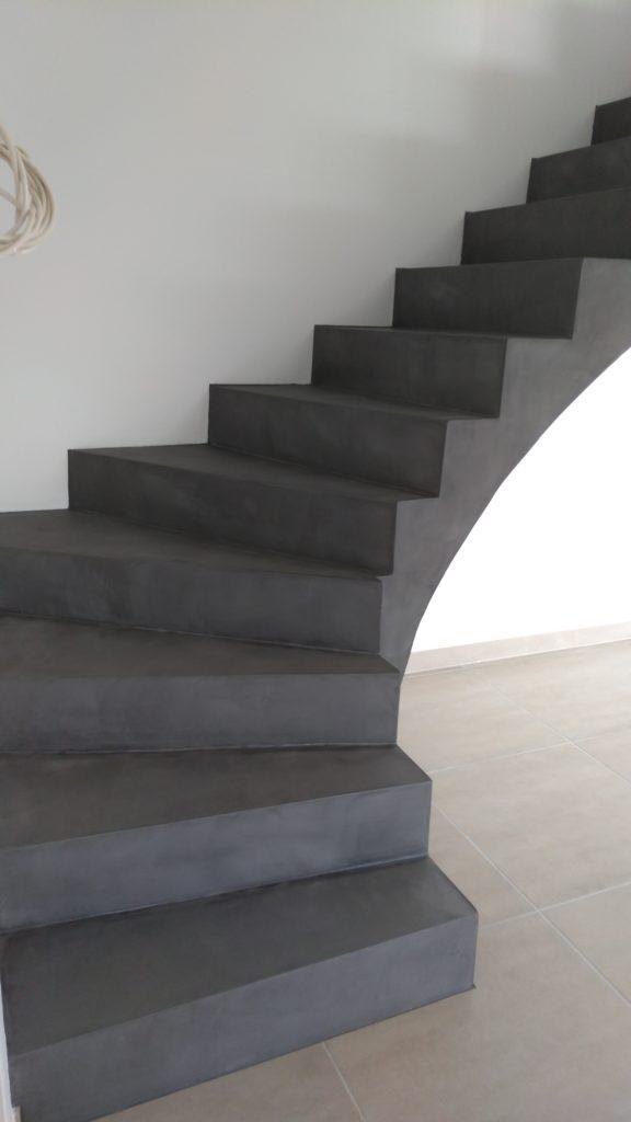 escalier sol mur douche béton ciré