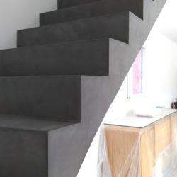 escalier béton, sol et mur béton ciré